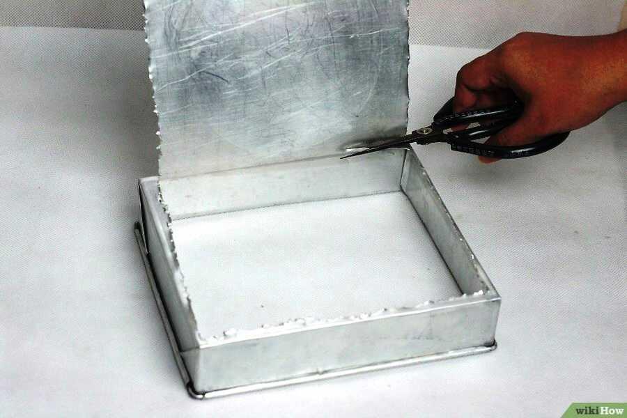 Чтобы отбрасывать лишнюю воду из бумаги надо сделать сито
