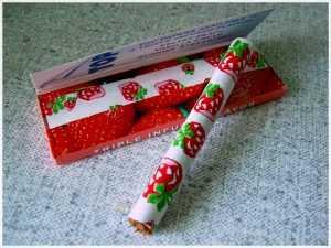 бумага для самокруток с запахом очень подходит молодым женщинам