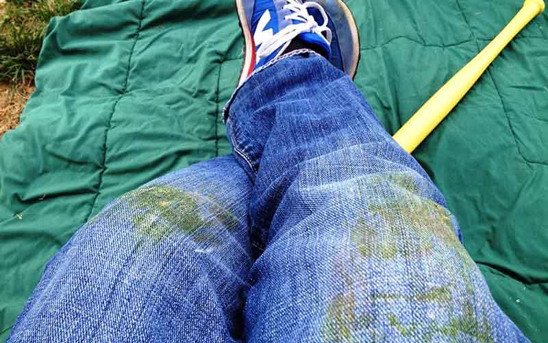 Как вывести пятно смолы на одежде в домашних условиях фото