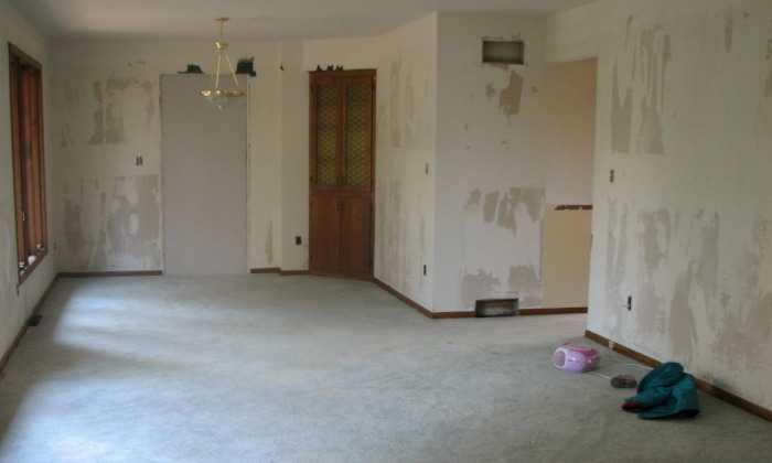 как подготовить стены под поклейку флизелиновых обоев в квартире или дома