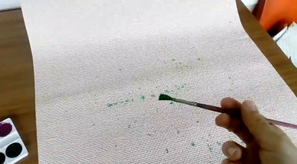 наносим рисунок на штору с помощью красок и кисточки