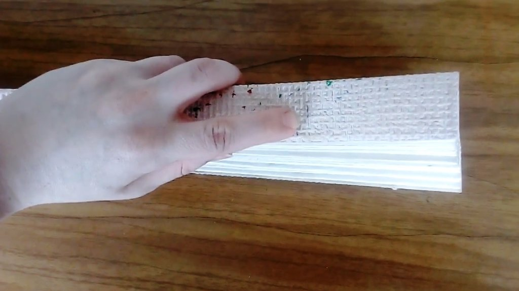 разметка для сверления дырок в римской шторе для сборки