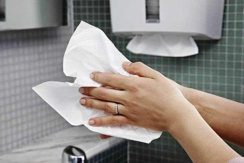 Бумажные полотенца: сложение, размеры, держатели