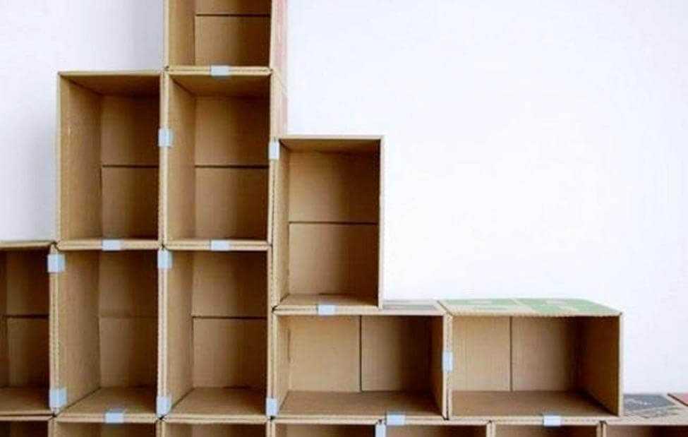 стеллаж для хранения из коробок