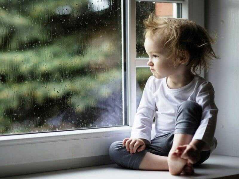 что ребенку делать дома когда за окном дождь