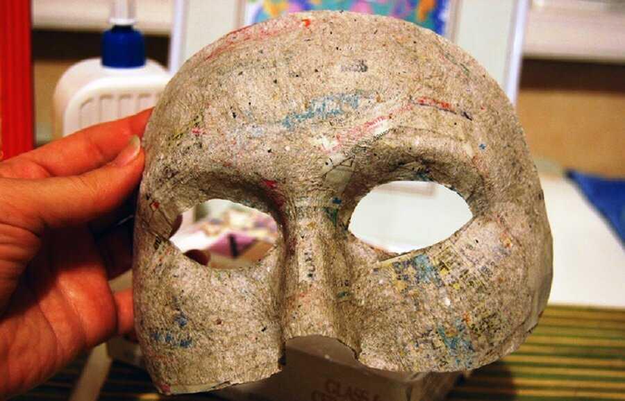 времени ждать, как сделать маску из папье маше этому
