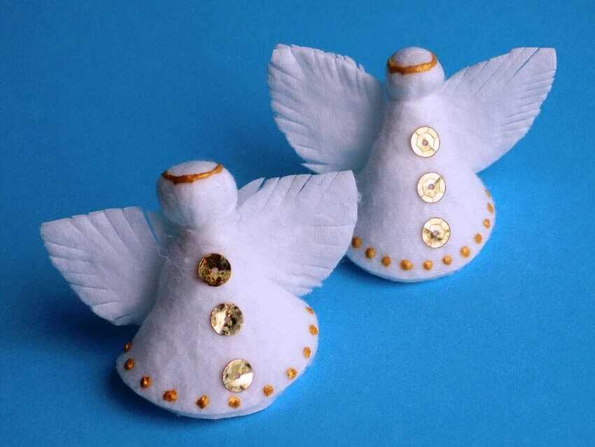 Рождественские ангелочки на ёлку из ватных дисков
